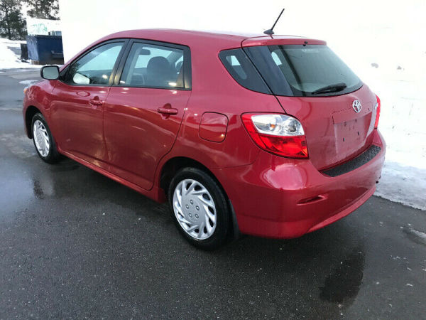 2013 Toyota Matrix   Automatic